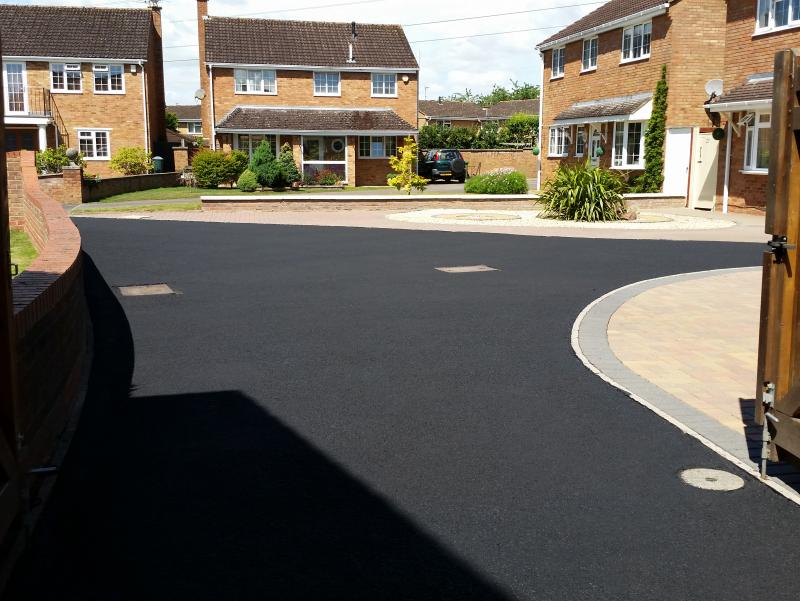 Tarmac cleaning and sealing